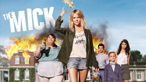 https://22dakika.org/wp-content/uploads/2017/11/The-Mick-Season-2-key-art-logo-Kaitlin-Olson-FOX-TV-comedy-series-740x416-600x337.jpg