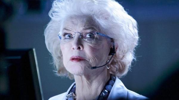 Mrs. Emerson ( Ellen Burstyn )