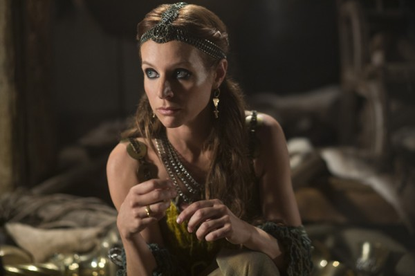 Vikings-Jessalyn-Gilsig-Siggy-600x399