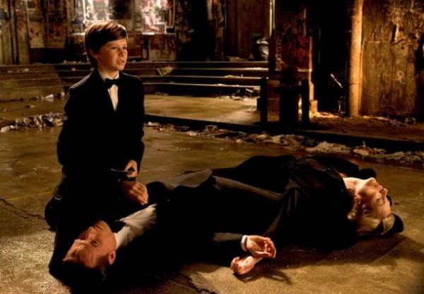 Batman Begins'teki (2005) Wayne cinayeti sahnesi