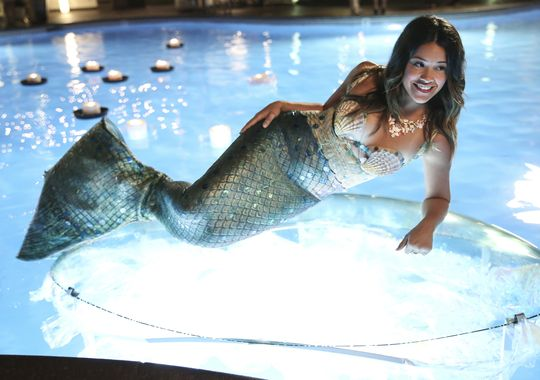 1400185911000-Jane-the-Virgin-mermaid-CW-fall-2014