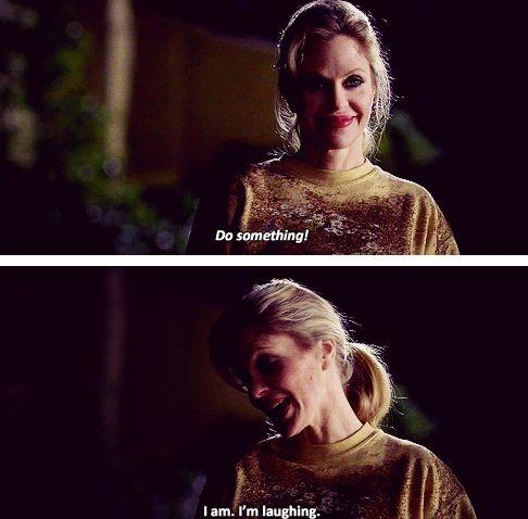 Lafayette: Bir şey yap! Pam. Yapıyorum. Gülüyorum.
