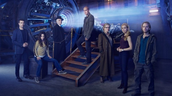 12-Monkeys-TV-Series-Cast-Wallpaper-800x450