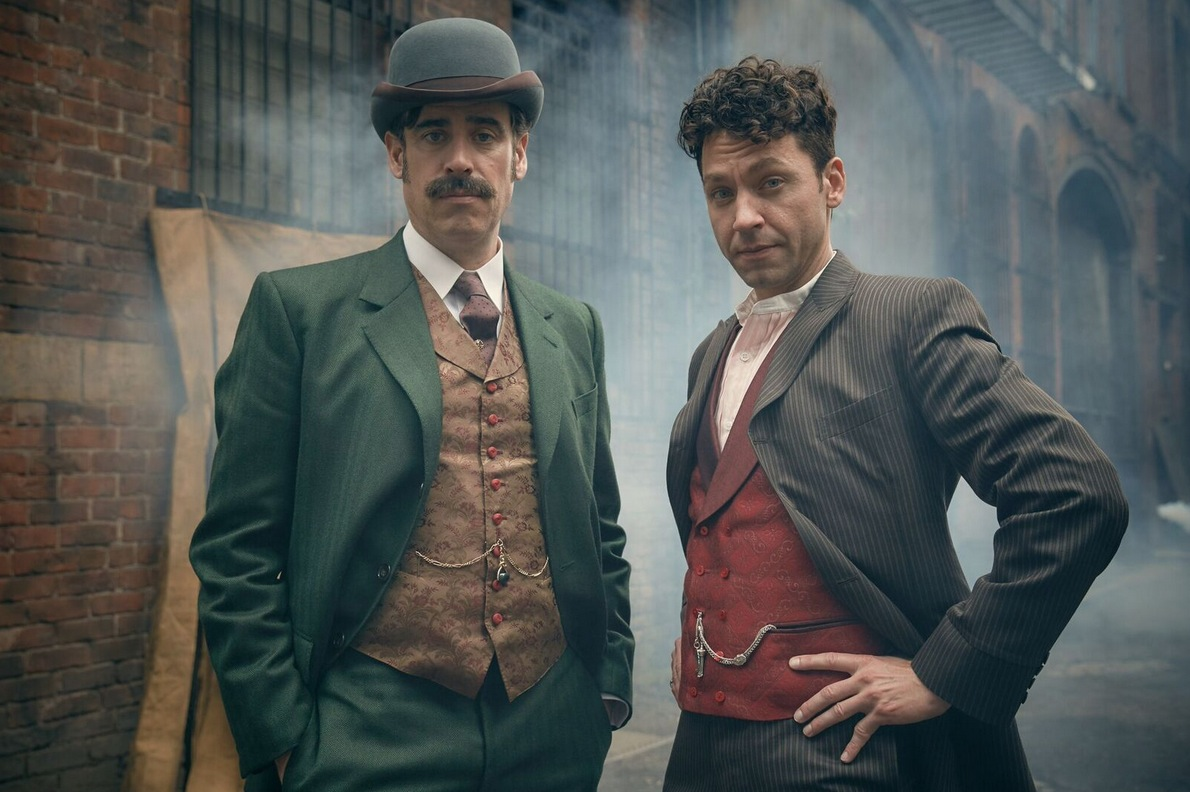 1449522123-itv-houdini-and-doyle-01