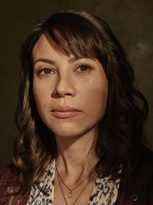 fear-the-walking-dead-season-1-liza-rodriguez-cast-portrait-658