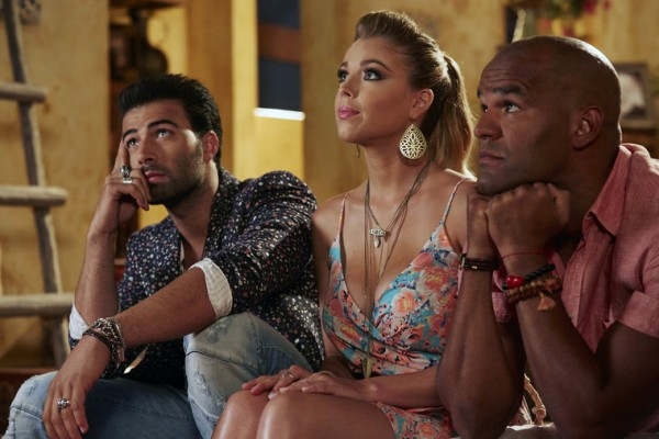 Xavier Castillo & Roxie Rios & Rodrigo