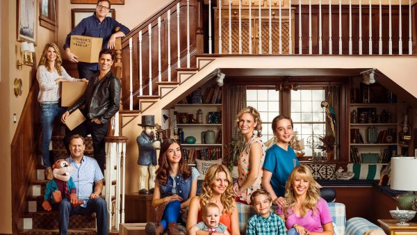 fuller-house-tease-002-today-160209_279ba03cb3a1fed229cdf89f63a056ec