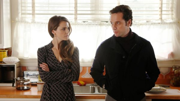 THE AMERICANS -- Only You -- Episode 10 (Airs Wednesday, April 10, 10:00 pm e/p) -- Pictured: (L-R) Keri Russell as Elizabeth Jennings, Matthew Rhys as Philip Jennings -- CR: Craig Blankenhorn/FX