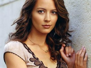 Amy-Acker-Pictures