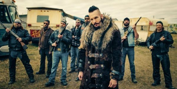 "WYNONNA EARP -- ""Diggin' Up Bones Episode 105 -- Pictured: Michael Eklund as Bobo Del Ray -- (Photo by: Syfy/Wynonna Earp Productions)"