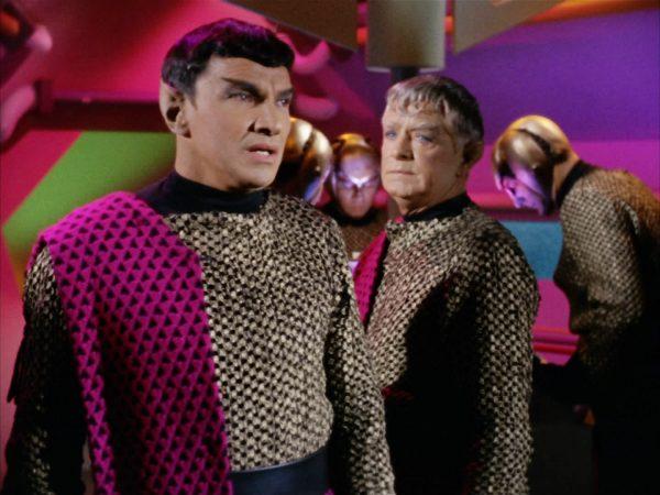 Romulan_commander_and_Centurian