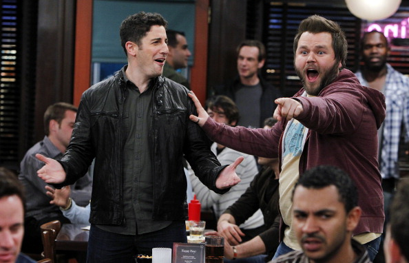 """LOS ANGELES - JANUARY 20: """"Pub Quiz"""" -- Ben (Jason Biggs) and Larry (Tyler Labine), meet at the pub for the weekly quiz, on MAD LOVE, Mondays (8:30-9:00 PM, ET/PT) on the CBS Television Network. (Photo by Cliff Lipson/CBS via Getty Images)"""
