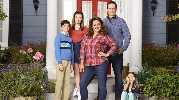 american-housewife-2